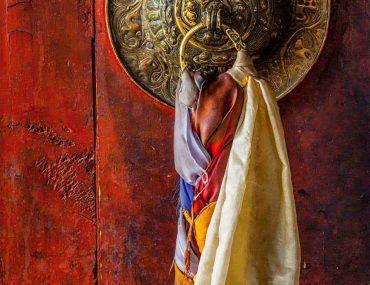 door-gate-handle-of-thiksey-gompa-tibetan-buddhist-TGCFJMK-scaled.jpg